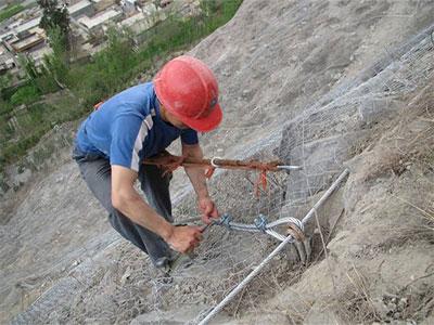 落石防护网施工