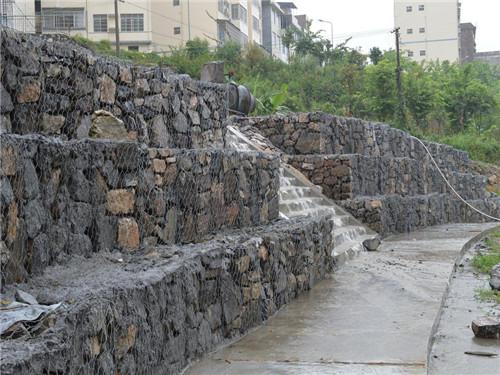 格宾石笼挡墙案例